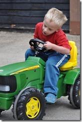 Joni on tractor