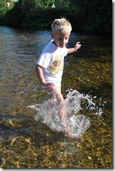 Joni paddling