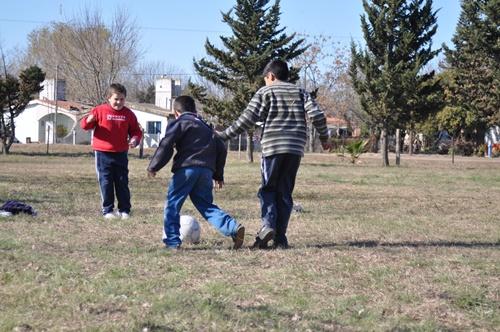 Three legged football
